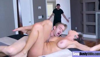 curvy latina gets paid to fuck sta