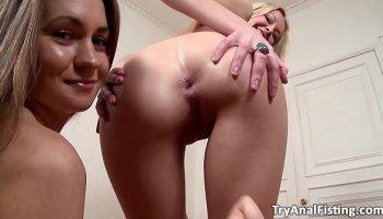 18 y o leah gotti learns a lesbian lesson from celeste star